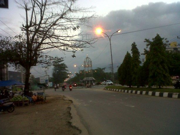Bundaran stainless di jalan bypass kota Kendari